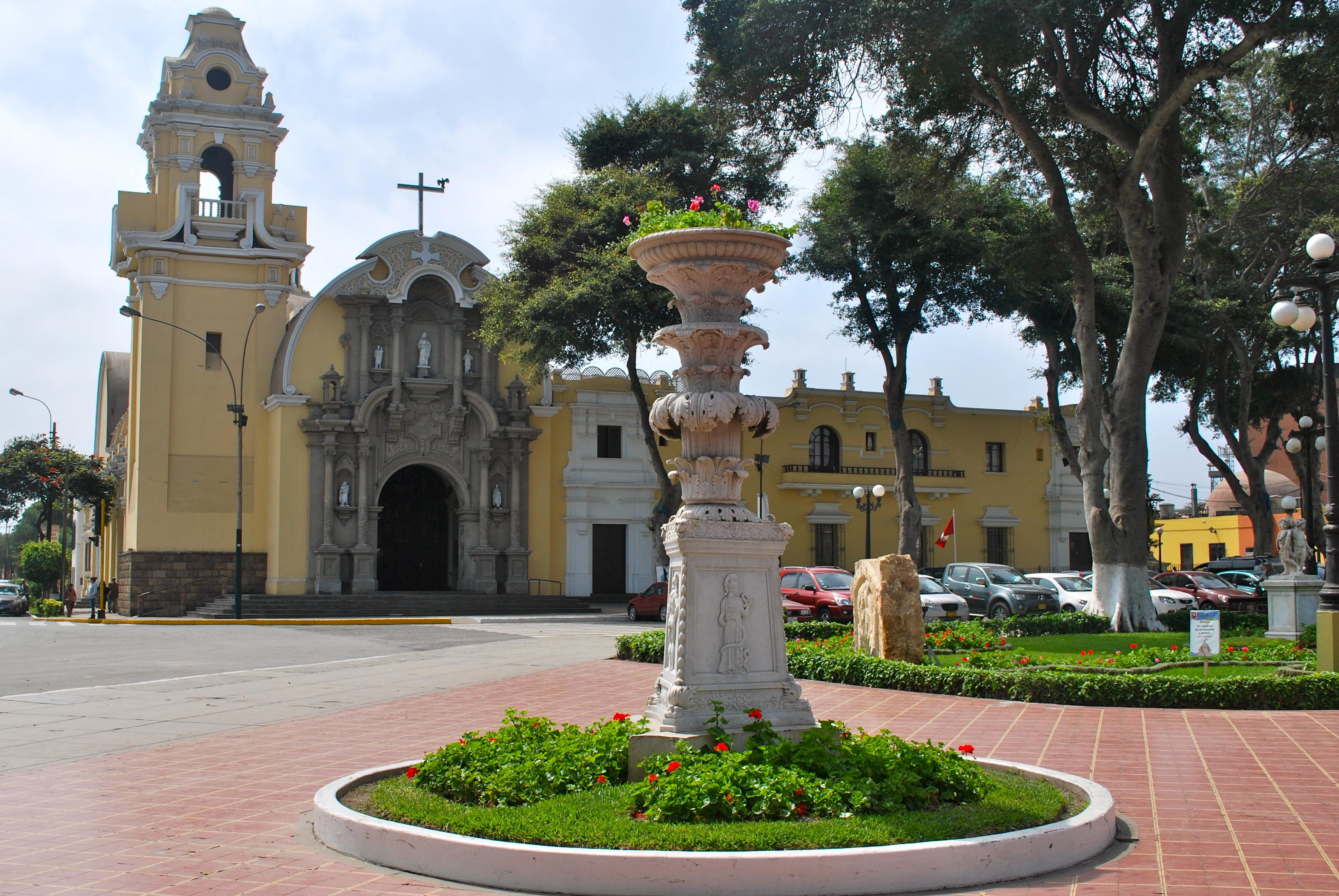 Iglesia Santisima Cruz, Barranco, Lima